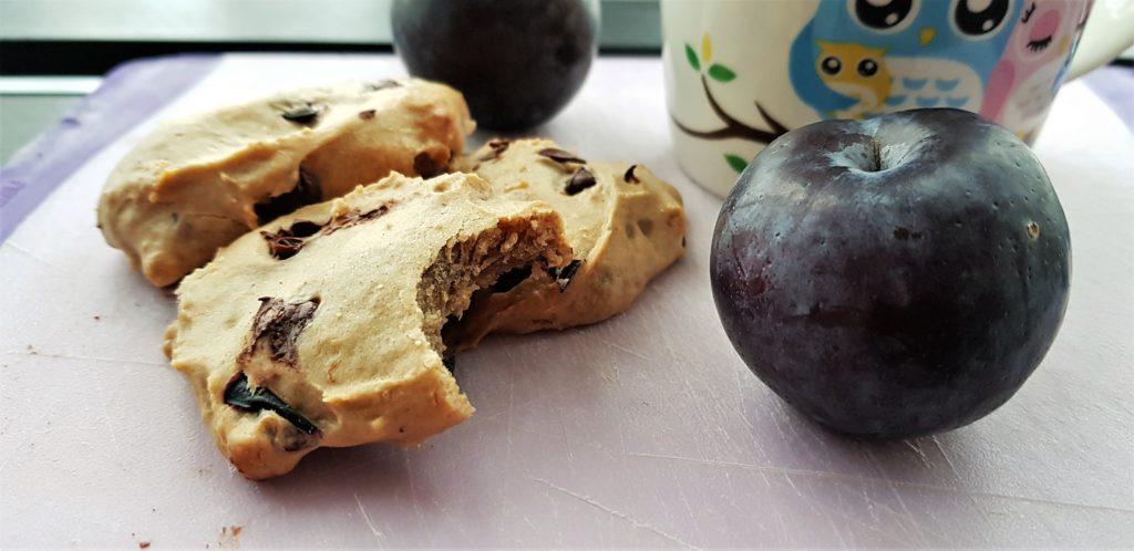 5-ingredient vegan plum cookies - Five for a Fiver
